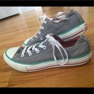 Low cut converse shoes
